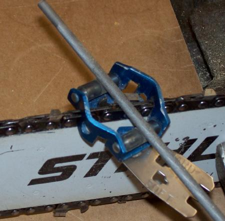 chain sharpening kit or automatic sharpening in chainsaws