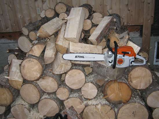 Poulan Pro 5020 av and Stihl MS 271 head to head in Chainsaws