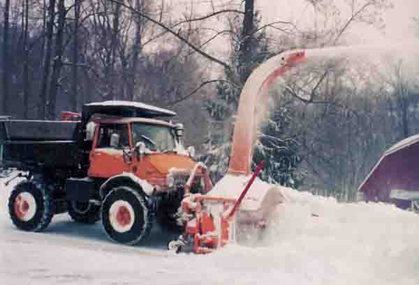 Snow Thrower Truck : Snow blowers in general board