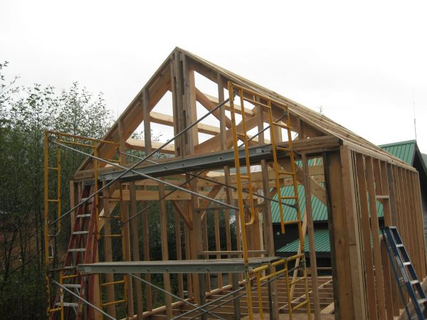 Suggestions for framing the gable overhang