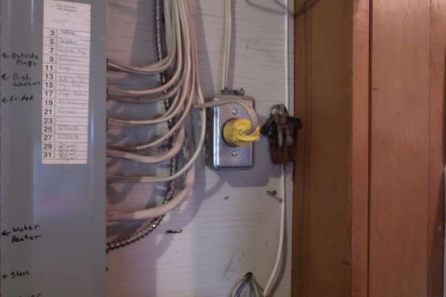 Photo_on_2016 02 29_at_10_05_AM need help with older style fuse box in a 1950s home  at n-0.co