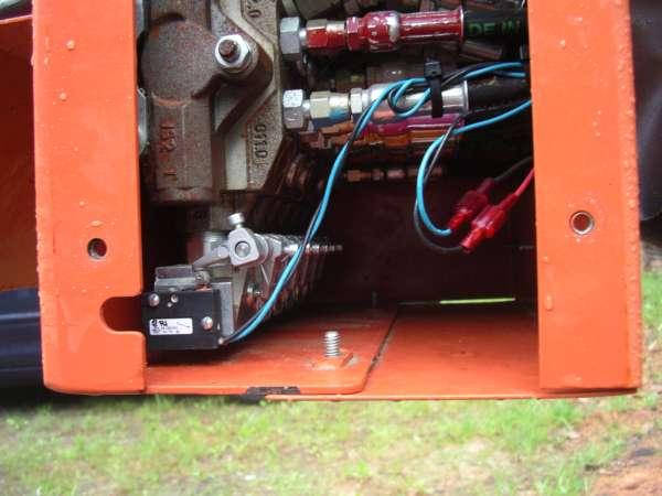 WM LT40 Hydraulic System Electrical Components Maintenance