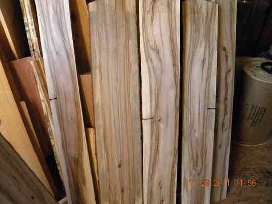 A Note About This Sle Pallet Wood Both Sides Of Plank Sweet Gum Liquidambar Rophylla Huge Enlargements Are