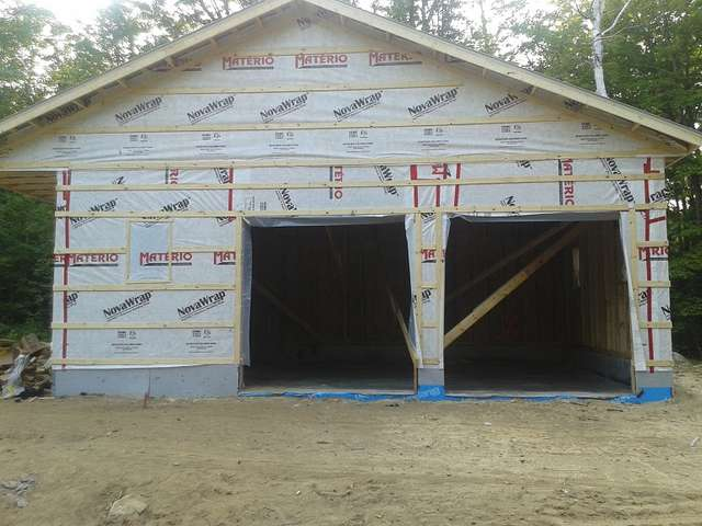 How to make seams between board tips on vertical siding ? in